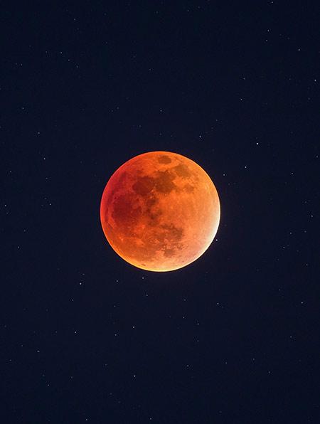 total lunar eclispes