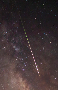 meteorite-in-night-sky