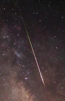 meteorite-in-night-sky