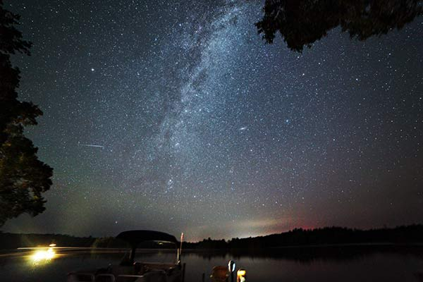 Rokinon 14mm F/2 8 | An Impressive Wide-Angle Astrophotography Lens